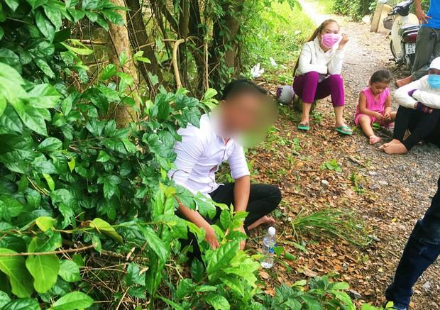 """Người bố ruột bé gái 5 tuổi bị sát hại trong vụ thảm án ở Tiền Giang khóc ngẹn: """"Sao nó ác dữ vậy, con gái tôi có tội tình gì đâu…"""" - Ảnh 3."""