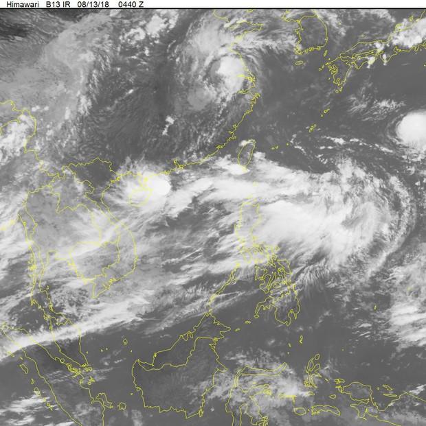 Áp thấp nhiệt đới mạnh lên thành bão, mưa lớn bao trùm Bắc Bộ - Ảnh 2.