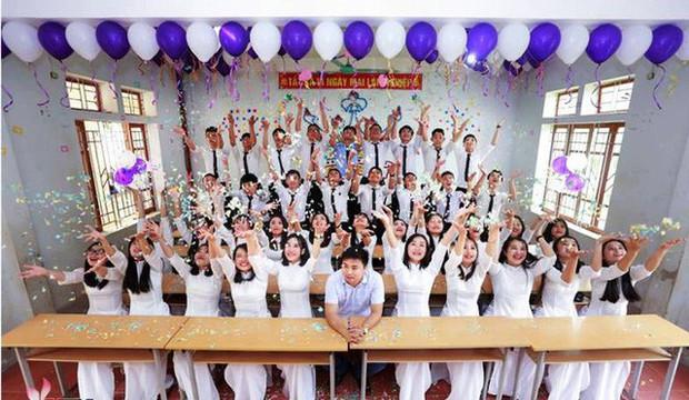 Những lớp học siêu giỏi ở Nghệ An, Hà Tĩnh: Học trường làng nhưng cả lớp đậu đại học, năm nào cũng thủ khoa trường top - Ảnh 3.