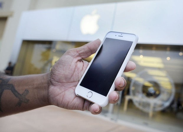 Thanh niên thù dai 2018: 2 năm trước bị bỏng vì iPhone nổ, 2 năm sau mới chày cối kiện Apple - Ảnh 2.