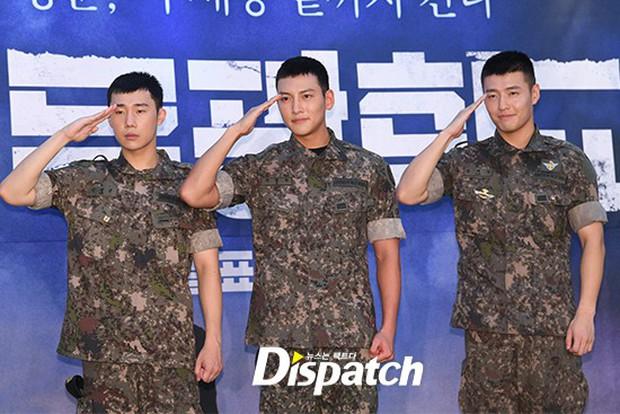 Để mặt mộc dự sự kiện quân đội, Ji Chang Wook gây xôn xao vì đẹp trai đến mức biến nam idol Kpop thành bạch tuộc - Ảnh 9.