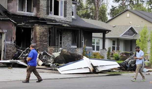 Mỹ: Cãi nhau với vợ, người đàn ông lái máy bay đâm thẳng vào nhà mình - Ảnh 3.