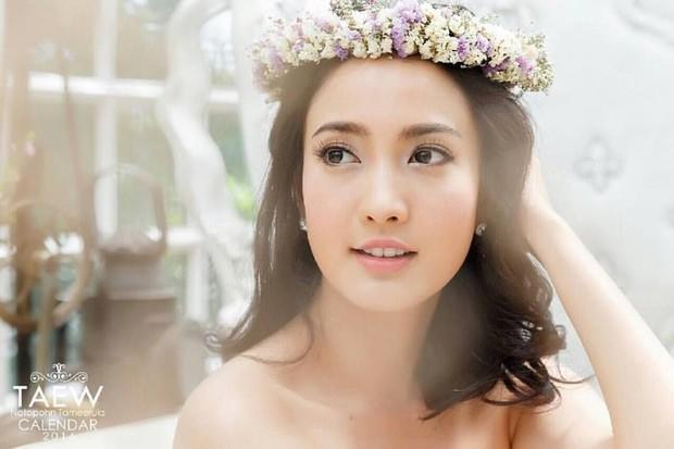 Đâu chỉ Hàn Quốc, showbiz Thái cũng có hội chị đẹp: Đã toàn mỹ nhân quyền lực và sang chảnh, lại còn chơi với nhau - Ảnh 7.