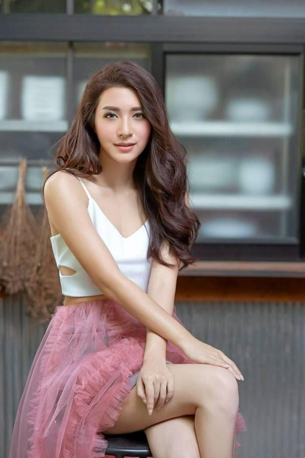 Đâu chỉ Hàn Quốc, showbiz Thái cũng có hội chị đẹp: Đã toàn mỹ nhân quyền lực và sang chảnh, lại còn chơi với nhau - Ảnh 10.