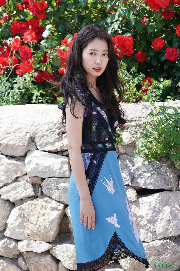 Lâu lắm mỹ nhân Người thừa kế Park Shin Hye mới sexy thế này, nhưng vòng 1 siêu khủng lại không cánh mà bay? - Ảnh 7.