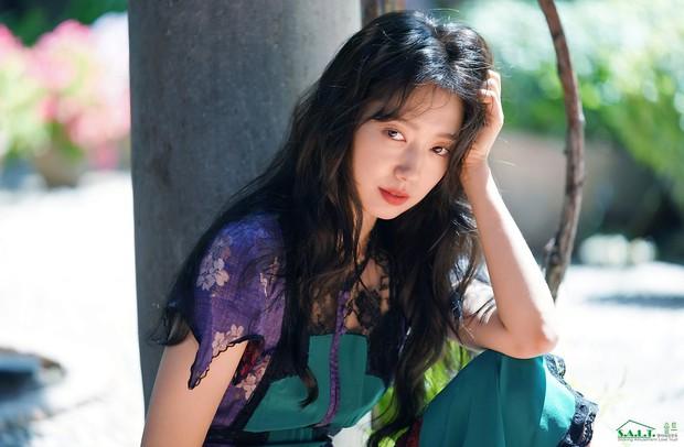 Lâu lắm mỹ nhân Người thừa kế Park Shin Hye mới sexy thế này, nhưng vòng 1 siêu khủng lại không cánh mà bay? - Ảnh 17.