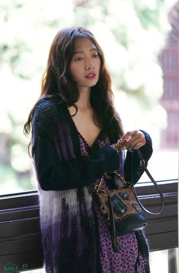 Lâu lắm mỹ nhân Người thừa kế Park Shin Hye mới sexy thế này, nhưng vòng 1 siêu khủng lại không cánh mà bay? - Ảnh 2.
