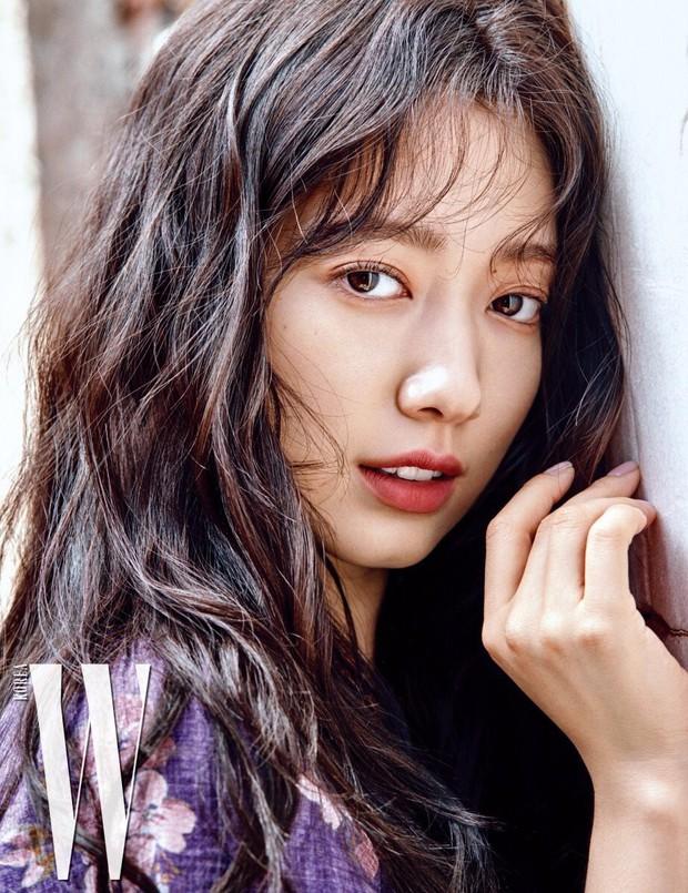 Lâu lắm mỹ nhân Người thừa kế Park Shin Hye mới sexy thế này, nhưng vòng 1 siêu khủng lại không cánh mà bay? - Ảnh 9.