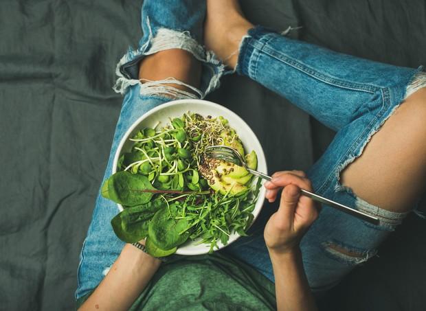 Những thực phẩm nên và không nên sử dụng làm món salad trong giai đoạn Detox thay thế các bữa ăn hoàn toàn - Ảnh 1.