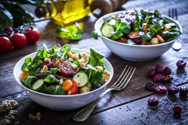 Những thực phẩm nên và không nên sử dụng làm món salad trong giai đoạn Detox thay thế các bữa ăn hoàn toàn - Ảnh 2.