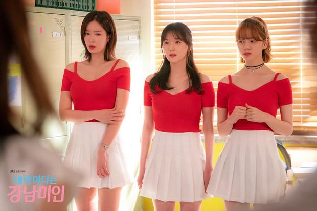 Định kiến cái đẹp của dân Hàn bị lên án trong Gangnam Beauty: Xấu từ kết cấu thì tâm hồn rạng rỡ đến đâu cũng thế! - Ảnh 2.