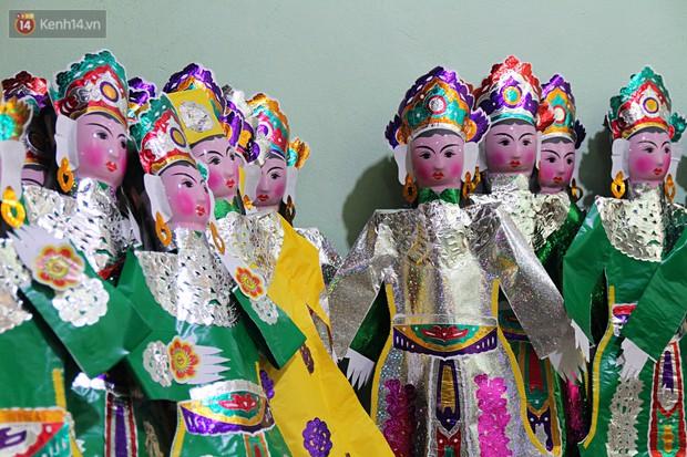 Thủ phủ vàng mã lớn nhất Hà Nội bán cô dâu, chú rể và cả osin cao cấp để đốt cho người cõi âm - Ảnh 8.