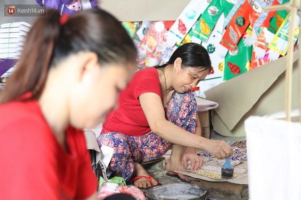 Thủ phủ vàng mã lớn nhất Hà Nội bán cô dâu, chú rể và cả osin cao cấp để đốt cho người cõi âm - Ảnh 13.
