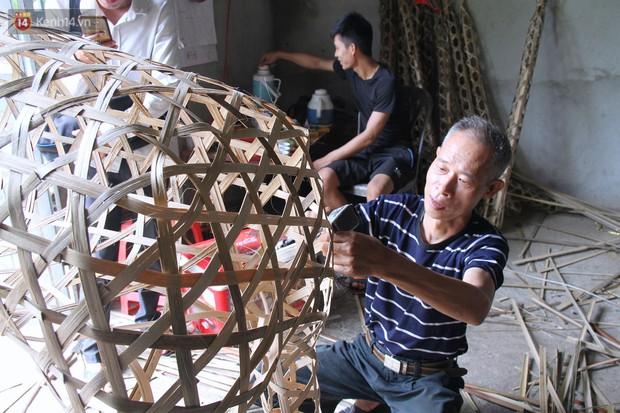 Thủ phủ vàng mã lớn nhất Hà Nội bán cô dâu, chú rể và cả osin cao cấp để đốt cho người cõi âm - Ảnh 16.