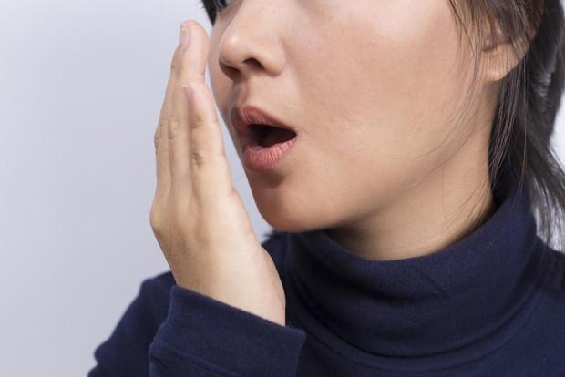 Hàng loạt dấu hiệu cảnh báo cơ thể bạn đang tích tụ quá nhiều độc tố - Ảnh 2.