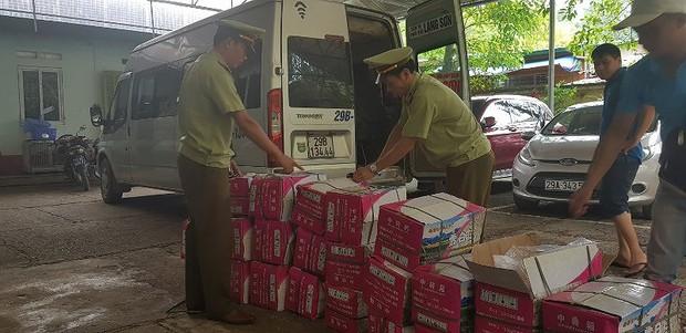 Nhập lậu hạt dưa từ Trung Quốc về làm bánh Trung thu - Ảnh 1.