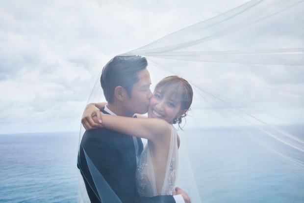 Tài tử TVB kết hôn nhưng điều đáng chú ý chính là nhan sắc tựa nữ thần cùng váy cưới lộng lẫy của cô vợ kém 22 tuổi - Ảnh 8.