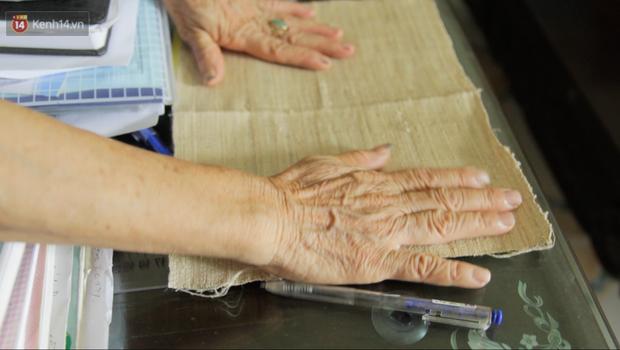 Người phụ nữ Hà Nội đầu tiên dệt lụa từ tơ sen: 4.800 cuống sen cho một chiếc khăn quàng cổ dài 1,7 mét - Ảnh 19.