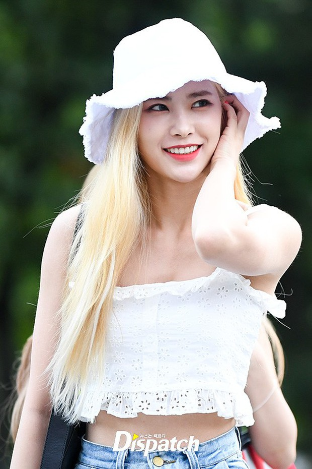 Màn đọ sắc hiếm của dàn idol Kpop: Nữ thần Irene bị mỹ nhân dao kéo lấn át, gương mặt vô danh bỗng được chú ý - Ảnh 12.