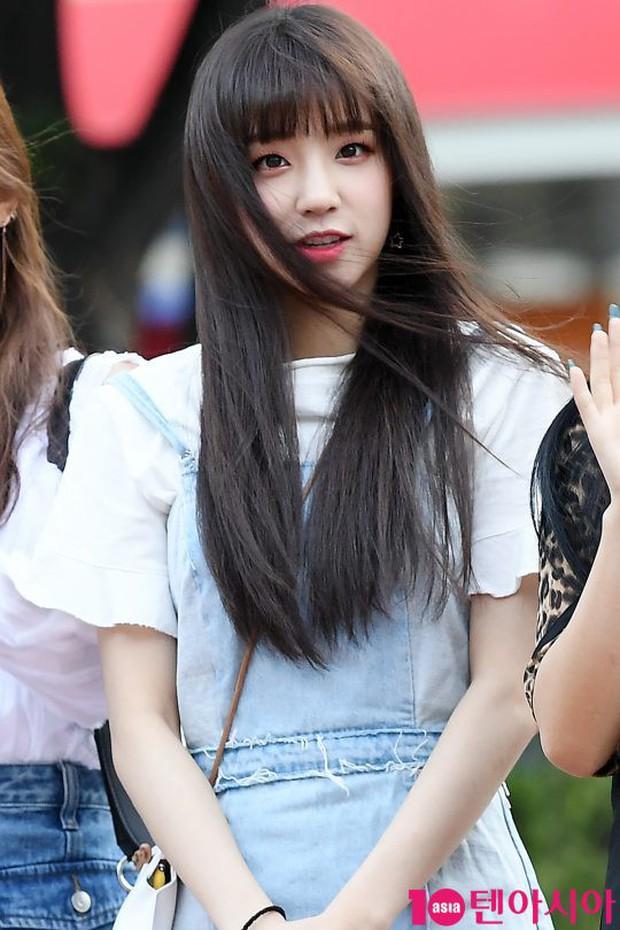 Màn đọ sắc hiếm của dàn idol Kpop: Nữ thần Irene bị mỹ nhân dao kéo lấn át, gương mặt vô danh bỗng được chú ý - Ảnh 15.