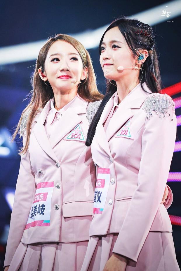 Toàn cảnh vụ lùm xùm đi để trở về của 2 cô gái dẫn đầu nhóm nữ chiến thắng Produce 101 Trung Quốc - Ảnh 1.