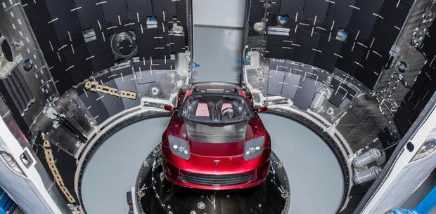 Elon Musk bật khóc khi phỏng vấn, thừa nhận sức khỏe đang suy yếu, phải dùng thuốc để có thể ngủ - Ảnh 2.