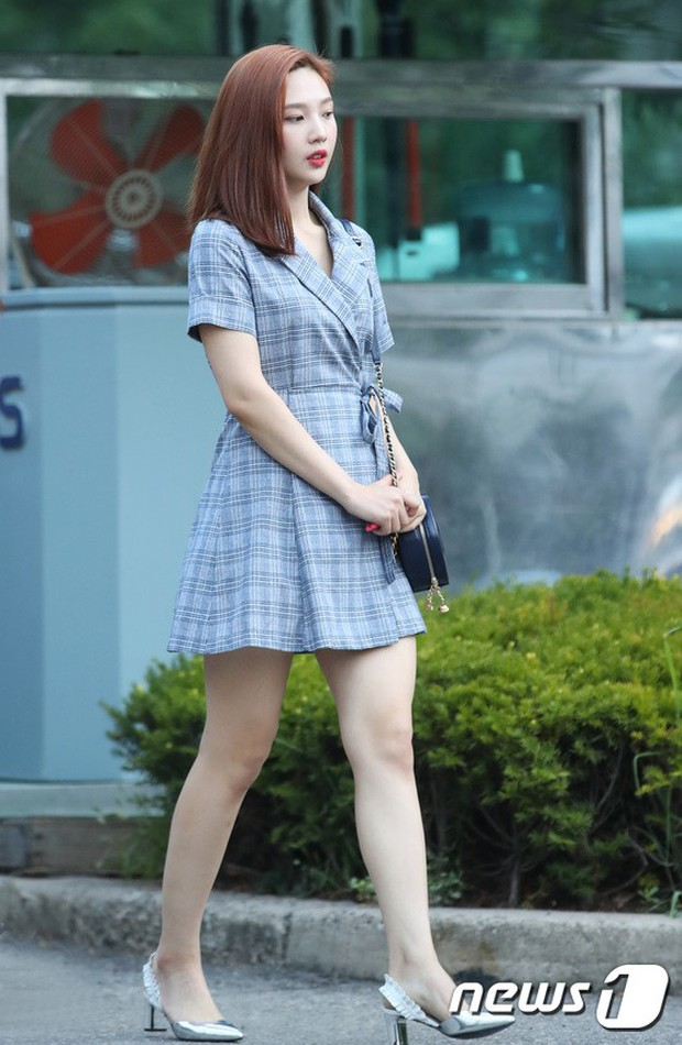 Màn đọ sắc hiếm của dàn idol Kpop: Nữ thần Irene bị mỹ nhân dao kéo lấn át, gương mặt vô danh bỗng được chú ý - Ảnh 6.