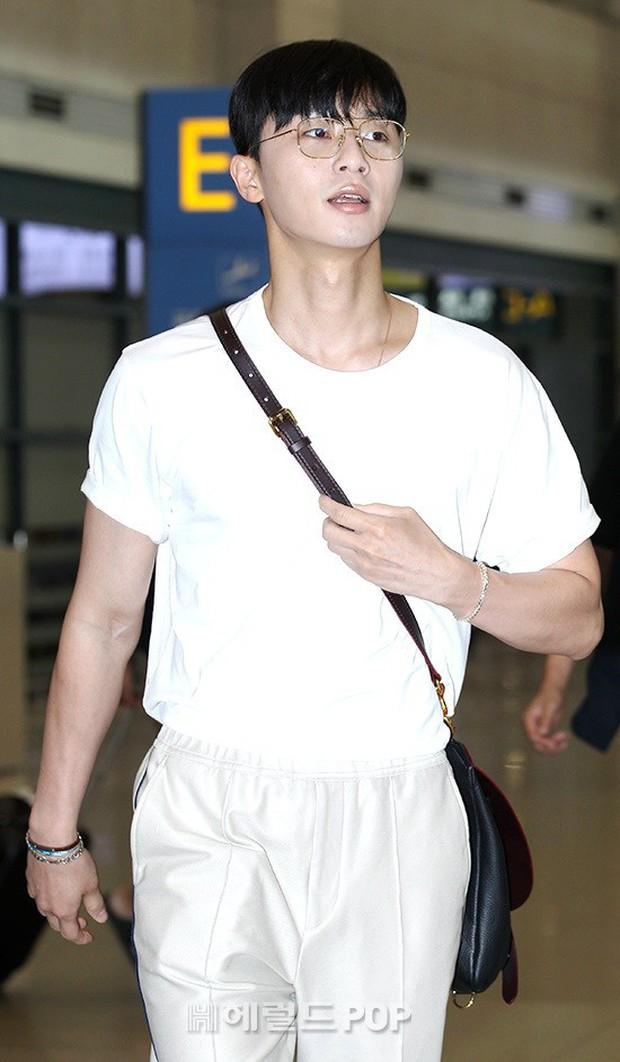 Đã đi du lịch, Park Min Young và Park Seo Joon còn diện đồ đôi và chụp hình cho nhau? - Ảnh 5.