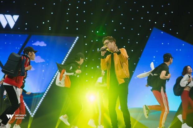 Hành trình truyền cảm hứng WeChoice Awards tháng 8: Phải đi thật nhiều, mơ thật lớn để tuổi trẻ không còn hối tiếc - Ảnh 13.