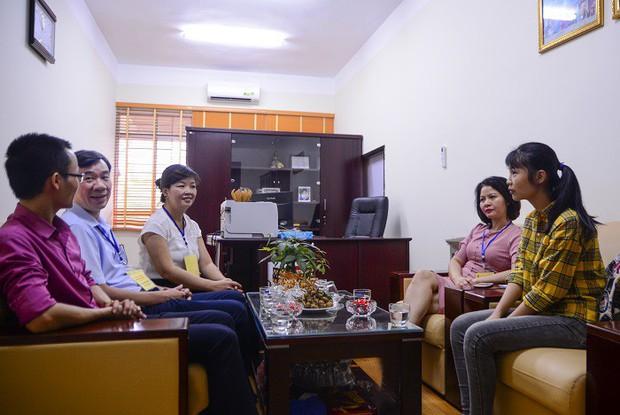 Nữ thủ khoa nghèo dân tộc Mường không có tiền học Đại học được miễn học phí, miễn ở ký túc xá và hỗ trợ tìm việc làm thêm - Ảnh 2.
