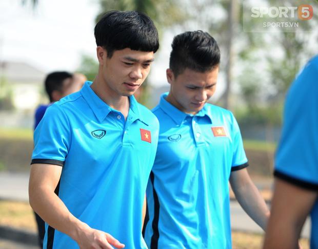 Tuyển thủ Olympic Việt Nam kêu đau lưng hàng loạt - Ảnh 2.