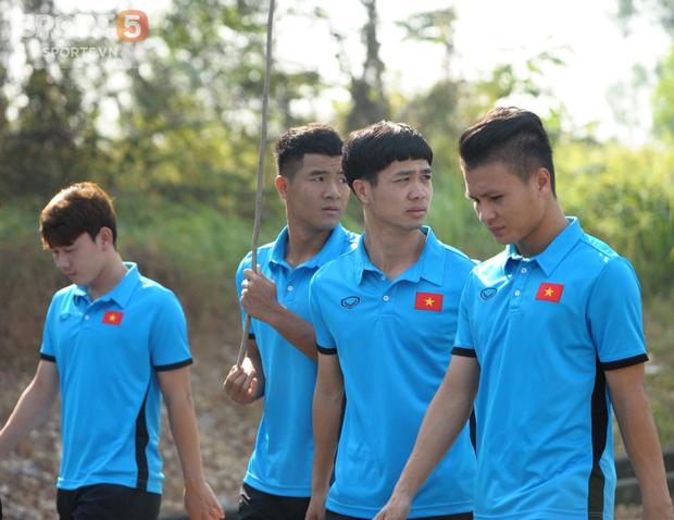 Tuyển thủ Olympic Việt Nam kêu đau lưng hàng loạt - Ảnh 3.