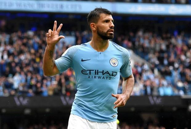 Man City trở lại ngôi đầu sau chiến thắng hủy diệt trước Huddersfield - Ảnh 4.