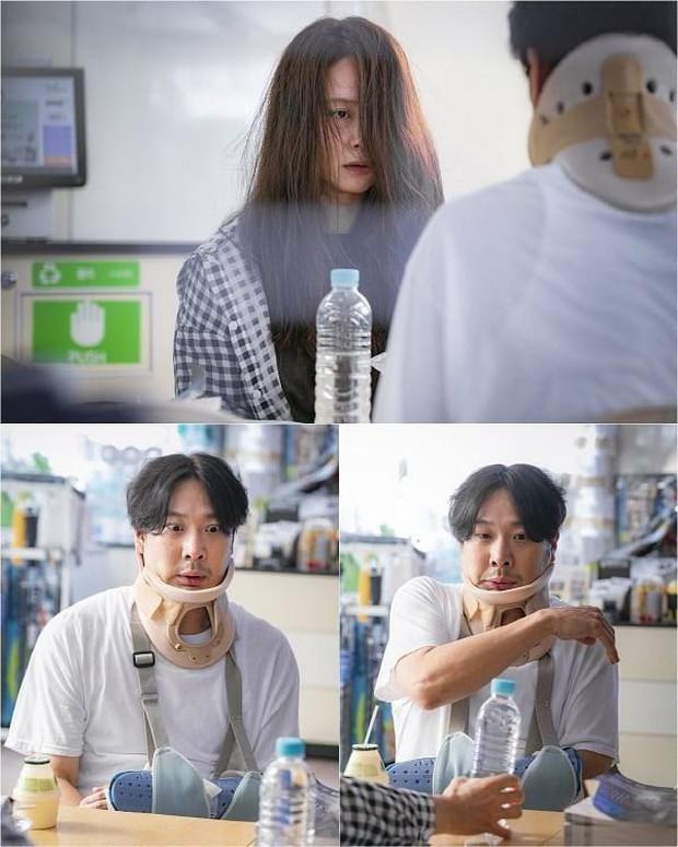 Mợ ngố Song Ji Hyo ít đóng phim, nhưng hễ đóng là toàn phim cực độc như Lovely Horribly! - Ảnh 7.