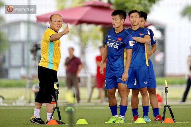 HLV Park Hang Seo tung chiêu tránh do thám trước thềm ASIAD 2018 - Ảnh 1.