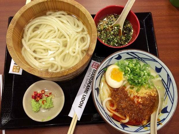 Nếu muốn ăn mì Nhật nhưng sợ đau ví, vẫn có những địa chỉ bình dân ngay tại Sài Gòn cho bạn đây - Ảnh 11.