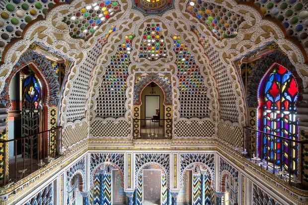 Cùng ngắm nhìn vẻ đẹp ma mị của 25 toà lâu đài và biệt thự bỏ hoang ở châu Âu - Ảnh 2.