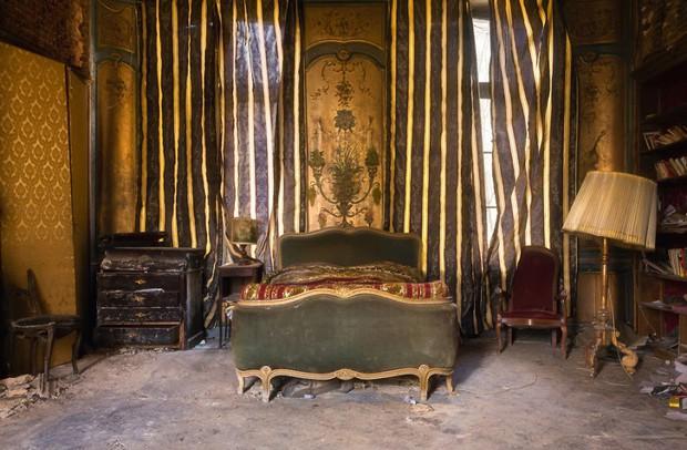 Cùng ngắm nhìn vẻ đẹp ma mị của 25 toà lâu đài và biệt thự bỏ hoang ở châu Âu - Ảnh 34.