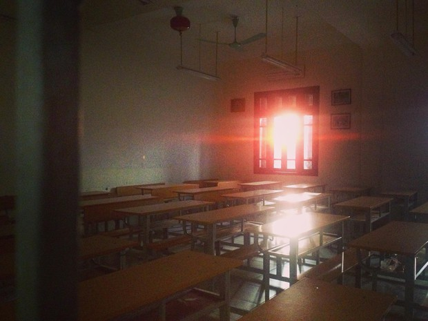 Có một Chu2 gần gũi mà đầy cảm xúc qua album của cô bạn cựu học sinh khi biết tin trường sắp bị đập bỏ - Ảnh 12.