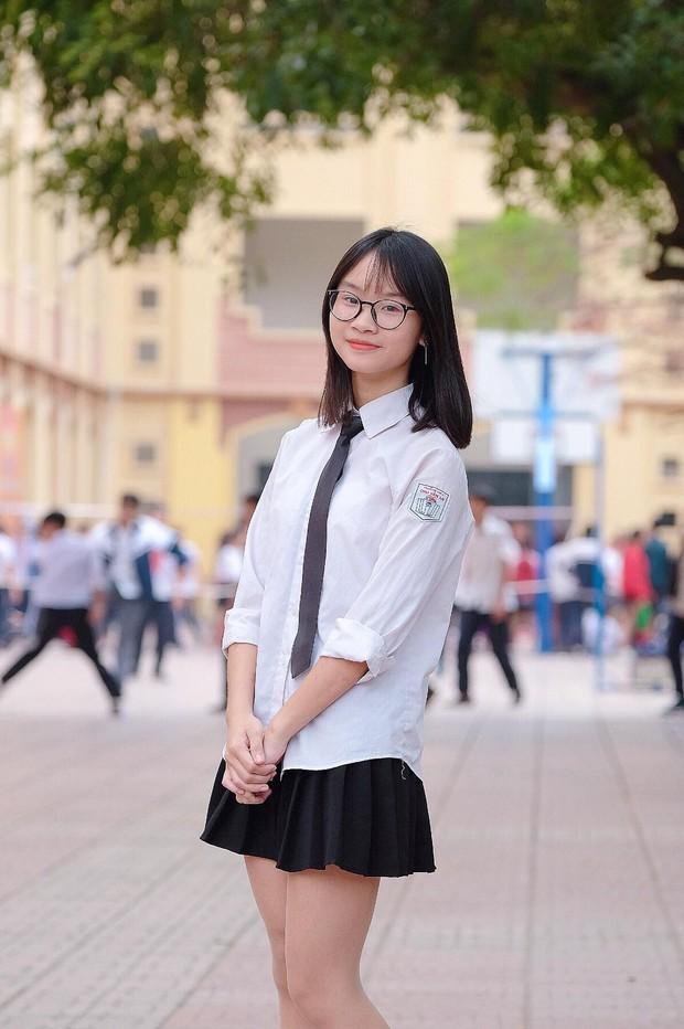 Có một Chu2 gần gũi mà đầy cảm xúc qua album của cô bạn cựu học sinh khi biết tin trường sắp bị đập bỏ - Ảnh 2.