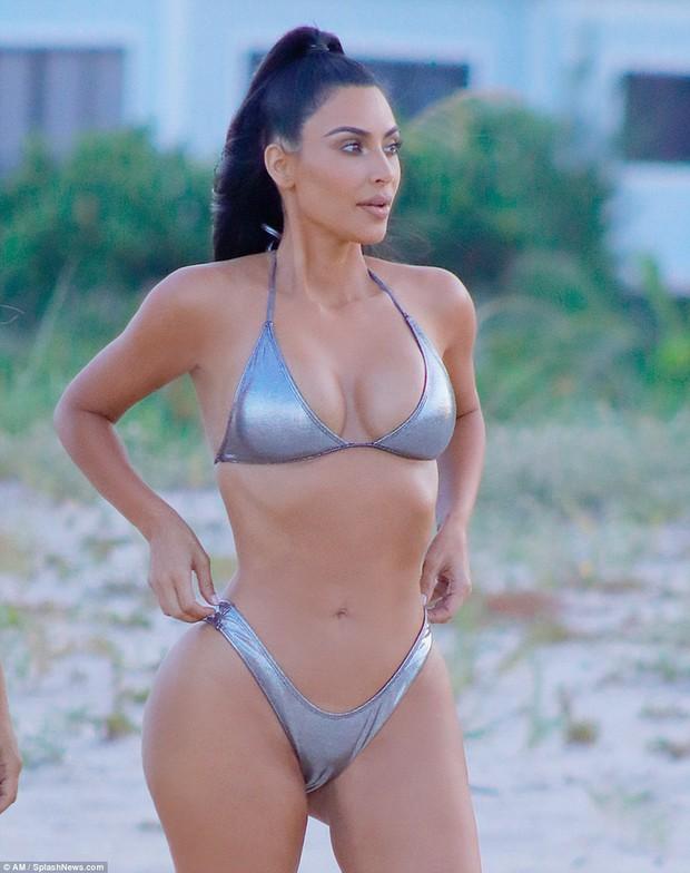 Nhìn body chuẩn đồng hồ cát của Kim Kardashian hiện giờ, bảo đảm bạn sẽ có thêm động lực giảm cân! - Ảnh 4.