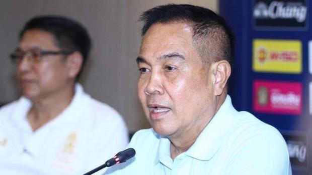 Chủ tịch LĐBĐ Thái Lan dọa sa thải cả GĐĐH và HLV sau thất bại tại ASIAD 2018 - Ảnh 2.