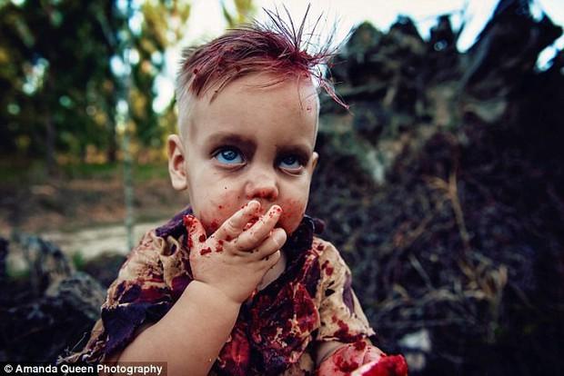 Úc: Cùng làm bánh sinh nhật đẫm máu cho con trai, người thì được cộng đồng mạng tán thưởng, người có lý do chính đáng lại bị ném đá dữ dội - Ảnh 4.