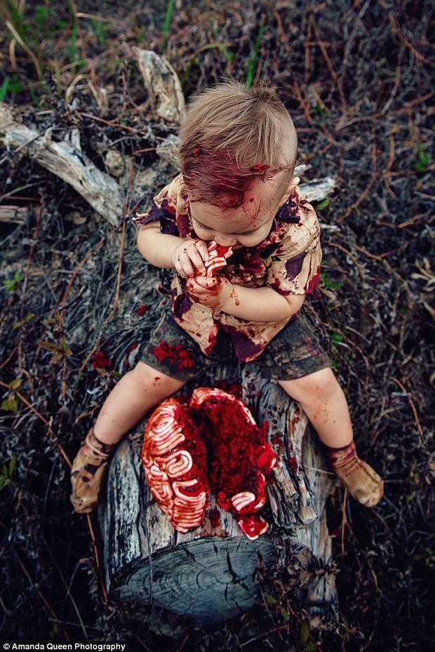 Úc: Cùng làm bánh sinh nhật đẫm máu cho con trai, người thì được cộng đồng mạng tán thưởng, người có lý do chính đáng lại bị ném đá dữ dội - Ảnh 6.