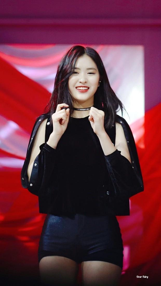 Somi rời công ty, JYP xác nhận đang chuẩn bị debut em gái TWICE với át chủ bài mới - Ảnh 2.