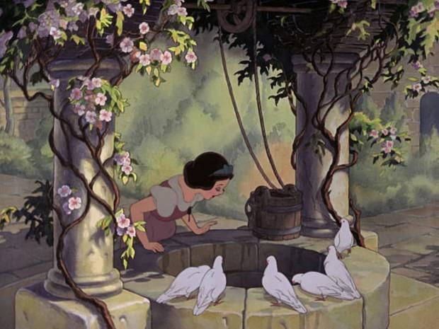 Ngỡ ngàng với thuyết âm mưu chết chóc về nàng Bạch Tuyết từ các fan Disney - Ảnh 2.