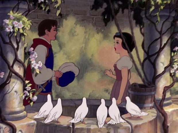 Ngỡ ngàng với thuyết âm mưu chết chóc về nàng Bạch Tuyết từ các fan Disney - Ảnh 4.
