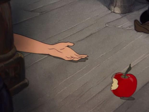 Ngỡ ngàng với thuyết âm mưu chết chóc về nàng Bạch Tuyết từ các fan Disney - Ảnh 5.