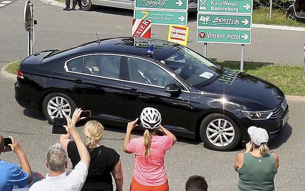 """Ảnh: Tổng thống Putin nhảy với cô dâu trong đám cưới bạn thân"""" ở Áo - Ảnh 12."""