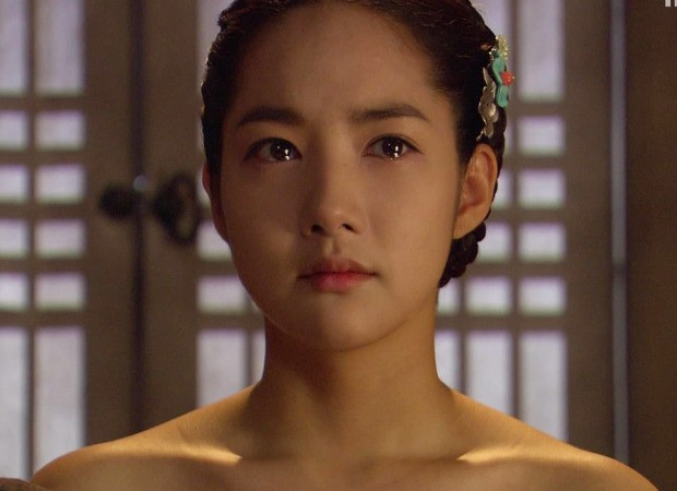 Xem loạt cảnh hở bạo của các ngọc nữ Hàn nổi tiếng kín đáo, bất ngờ nhất là Song Hye Kyo - Ảnh 6.